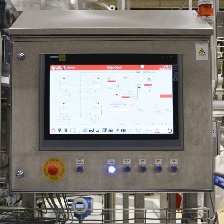Het Siemens 1515 PLC-systeem maakt een zeer precieze procescontrole mogelijk.